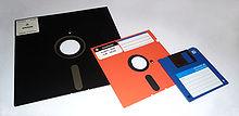 220px-floppy_disk_2009_g1
